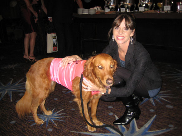 Victoria with lovely Hero Dog nominee Ricochet, the surfing therapy superstar.